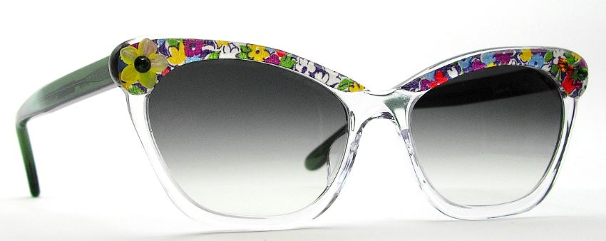 b7bb56ed3b She also decided on a pair of Francis Klein Club frames with a floral silk  print. We love how light and easy-going this pair is – perfect for summer  garden ...