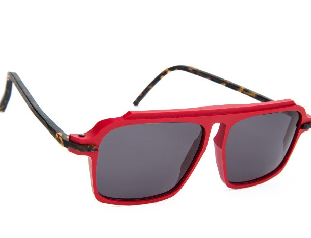PlasticDelux_red_sunglasses